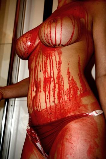 Blutige Brüste 6