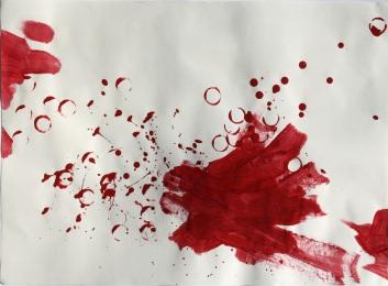 Großflächige Blutmalerei auf Papier
